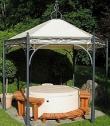 Gazebo in ferro battuto con tenda