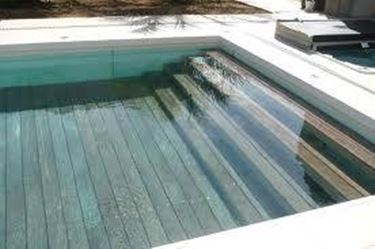 Piastrelle per piscina pavimenti esterno for Movable swimming pool floor australia
